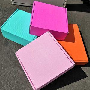 Etiqueta do logotipo 50PCS / lot personalizado caixas de transporte onduladas caixa de embalagem com caixa de logotipo mailer embalagens cabelo Roupa perucas presente