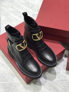 Femmes Designer Bottes Martin Desert Boot lacent boucle de ceinture ruban bottines en cuir Médaille gros antidérapants Chaussures d'hiver Size35-41