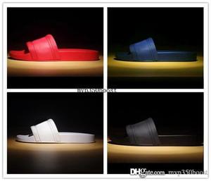 Kutu ile Sıcak Marka Erkekler Plaj Slayt Sandalet Medusa Scuffs Terlik Erkek Beyaz Plaj Moda Slip-On Tasarımcı Sandalet ABD 7-12