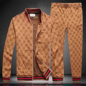 Trend männliche Designer-Marke beste Version von Herbst und Winter Herren-roten und grünen Streifen Sportanzug Buchstaben gedruckt Reißverschluss Anzug Pulli.
