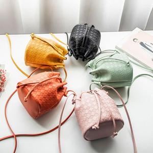 Mode Vintage femmes de petite taille en cuir seau sac à main Tassel Sac à bandoulière Messenger Drawstring Sacs à bandoulière Sacs à main # LR4
