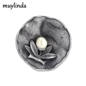 Muylinda Big Metal Flower Brooches Vintage Freshwater Brooch Pin For Women Banquet Party Pins And Brooches Jewelry