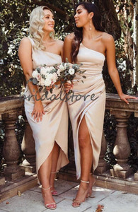 Cheap Sexy One Shoulder Champagne Sheath Bridesmaid Dresses Hi-Lo Beach Wedding Guest Dresses With Front Slits Pleats Maid Of Honor Gowns