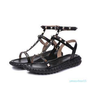 28 donne del progettista del cuoio genuino Rivetti moda piatto partito ragazze sexy Bare piedi scarpe scarpe da sposa doppie cinghie sandali taglia 35-40 Y15