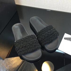 Top-Qualität Paris Sliders Frauen Mules Pearls Lammfell Slipper Sommer-Sandelholz-Strand Pantoffeln Damen Flip Flops Loafers Schwarz Weiß mit Box
