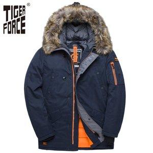 Giacca TIGER FORCE inverno degli uomini Imbottito Parka Russia Uomo inverno cappotto di pelliccia artificiale grandi tasche a medio-lungo Spesso Parkas Snowjacket