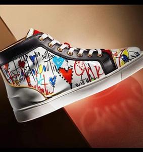 Sneakers in alto in alto da uomo di migliore qualità Scarpe da tennis casual da passeggio Casual Scarpe da passeggio di lusso Silver Sequin GLLITER PIK Pik Studs Graffiti sconto