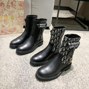 التخييم الأحذية الأزياء النسائية Cowskin مارتن الأحذية عالية الجودة مصمم الأحذية النسائية الأحذية الدافئة في فصل الشتاء مع مربع الأصلي B04 التعبئة والتغليف