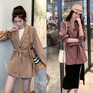 temperamento luz maduro leve maduras soltas de comprimento médio casaco da cintura lace-up para as mulheres outono fino 2020 terno novo