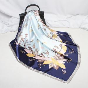 Pañuelo de seda para las mujeres 90 * 90cm Impresión de cabeza cuadrada pañuelo en la cabeza del abrigo del mantón de pelo bufandas Pareo pañuelo del pelo de los accesorios de regalo de Navidad