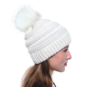 أزياء المرأة محبوك كاب الخريف الشتاء الدافئة قبعة skullies العلامة التجارية بيني هيب هوب الصوف pompom القبعات KKA2684