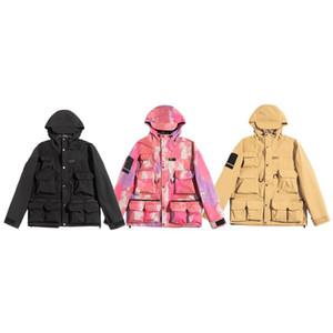 Orta uzunlukta, çok cepli tasarım su geçirmez kumaş ceket baskı ceket sokak eğilim ceketler Seyahat tarzı Harf nakış aşağı 2020 erkek