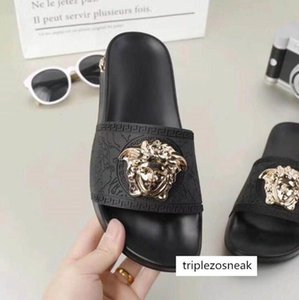2021 Männer Frauen huaraches Schuhe Luxus Slide Summer Fashion Breitflach glitschig Thick Designer Sandalen Slipper Flip Flop