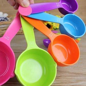 Conjunto cuchara dosificadora de plástico taza de medir de cocina útil para hornear cuchara de medida de la Copa Cocina Herramientas de medición HWF1038