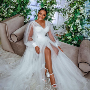 2021 Designer Long Sleeves Wedding Dresses V Neck A Line Side Split Bridal Gowns Sweep Train SoftTulle robe de mariée