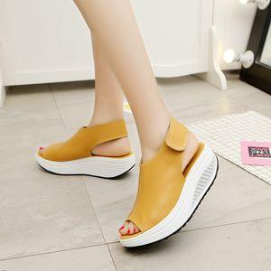 Ake Sia Sommer-Sandelholz-Frauen schütteln Schuhe Thick Wedges Slope-Plattform-Leder-Schuhe Damen Sandalen beiläufige Ebene Schuh-Größe 35-43
