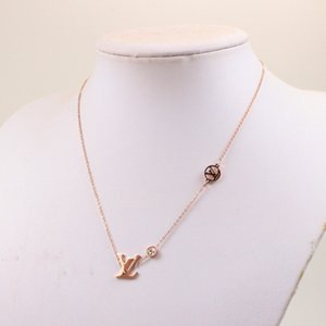 Nouvelle arrivée Polished pendentif diamant collier extravagante lettre mode nouvelles femmes en acier de titane collier de quelques gros bijoux