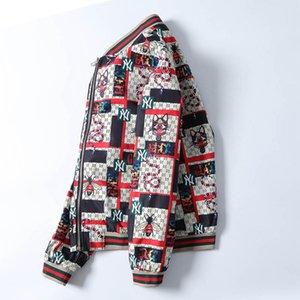 2020 Europa Nuovo Mens progettista Giacca con cappuccio Giacca a vento per gli uomini donne Zipper tuta sportiva del cappotto casuale di modo stampa floreale design Jacket