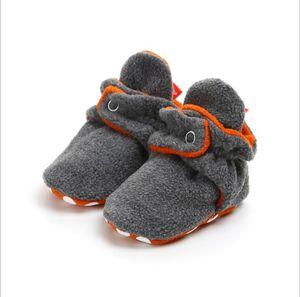 Sigara Skid Alt Bebek Terlik Winter'la Erkek Bebek Kız Fleece patik için Bebek Ayakkabı 0-12 Ay Fleece Rahat Çorap Ayakkabı Isınma