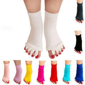 1Pair Toe Separate socks hallux valgus corrector thumb Relaxation capsule adjuster orthopedic Foot Care Cotton Anti Cracking Socks