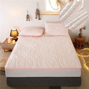 New Waterproof Mattress Cover and Stain Resistant Mattress Bed Bug Proof Washable Hypoallergenic