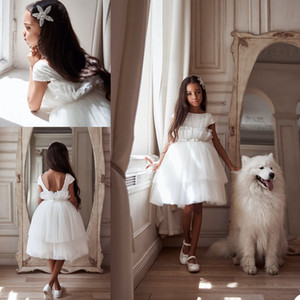 2021 White Flower Girl Dresses Tiered Skirts Tulle Knee Length Short Sleeve Girls Pageant Gowns Beading Pleats Kids Formal Party Dress