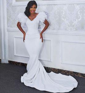 Modest V Neck Feather Mermaid Wedding Dresses Crystals Sexy Backless Bridal Gowns Elegant Satin African robes de mariée