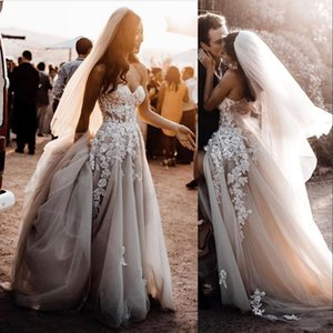 Country New Bohemia Summer Beach A Line Wedding Dresses Sweetheart Sleeveless Lace Appliques Crystal Beads Split Tulle Formal Bridal Gowns