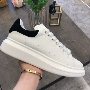 2020 Casual Shoes Womens Mens Oversized Marfim Preto sapatilhas sapatos de plataforma de couro liso Chaussures De Esporte Zapatillas lazer Trainers
