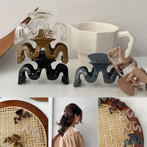 Women Girls Geometric Claw Clamps Metal Hair Crab Moon Shape Hair Claw Clip Solid Color Hairpin Large Size Hair Accessories