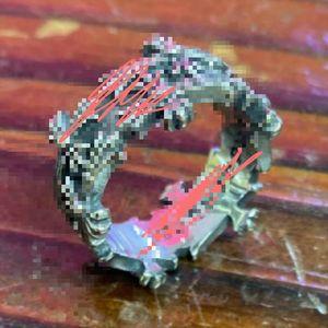 Neue Qualitäts-Mann-Retro Silber Stil Geschenk Edelstahl Chrom-Herzen Ring mit Kasten g Art und Weise Punk-Kreuz-Ring Schmuck