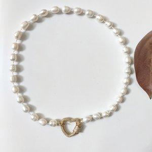 2020 neue Art-echte Perle-Halskette Frauen mit Charme barocker Frischwasser White Pearl Spiral-Knopf-Anhänger Collares De Moda