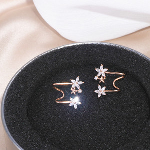 Hot Sale Fashion Korean Shiny Zircon Stud Earrings For Women Elegant Rose Gold Color Flower Stud Earrings Wedding Party Jewelry