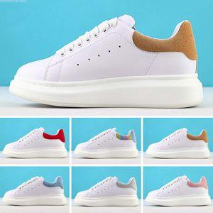 Alexander McQueen 2020 modelos mc hombres mujeres reflectantes zapatos de moda estáticas mqueen zapatos de plataforma de Deportes reinas hombre Chaussures sneakerse