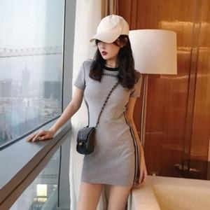 lgIvg delgada del resorte del bodycon delgado bajo sabor de Hong Kong de 2020 nueva atractiva a corto fresco de la manga vestido de la muchacha del vestido