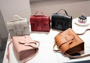 Дизайнер сумки Женщины 2020 Новый портативный сумка стойло Trend кулиской Малый квадрат сумка Бесплатная доставка
