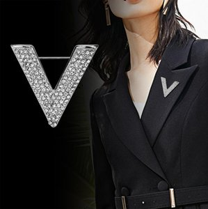 i-Remiel New Minimalist Crystal New Letter V Brooch Pin Rhinestone Triangle Brooches and Pins for Men's Shirt Collar Accessories