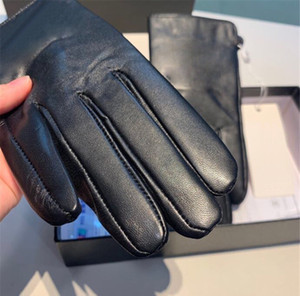 New Black Sheepskin Gloves Fashion Touch Screen Mittens for Women Winter Outdoor Cycling Finger Gloves Xmas Gifts