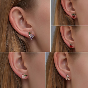 Hot Sale Cute Fruit Stud Earrings Korean Version Diamond Sweet Peach Strawberry Earrings for Women Girl Jewelry