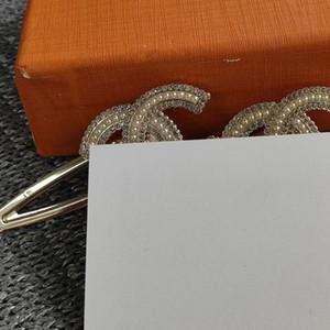 VIP kartı ve toz torbası Klasik metal tasarım saç klipleri Saç Aksesuarları moda inci Aksesuarlar c yeni moda