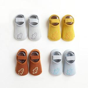 4 Paar Babysocken rutschfester Boden Kleinkind barfuß Socken Frühling und Herbst kühlen Innen weiche Sohle Schuhe