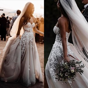 Bohemia Sexy Summer Beach Boho A Line Wedding Dresses Sweetheart Sleeveless Lace Appliques Crystal Beads Split Tulle Open Back Bridal Gowns