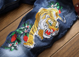 2020 popular New embroidered tiger flower jeans causal slim straight beggar pants Chinese style zipper flyer pattern trousers