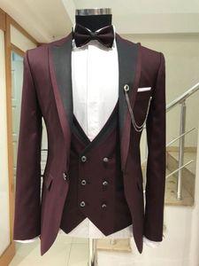 New Arrival One Button Burgundy Groom Tuxedos Peak Lapel Groomsmen Mens Suits Wedding Prom Dinner Blazer (Jacket+Pants+Vest+Tie) K557