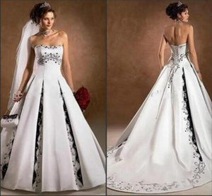 black and white gothic wedding dresses 2021 strapless lace-up corset back Lace embroidery sweep train country bride gowns