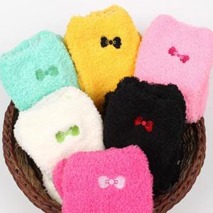 New Mulheres Winter Mulheres senhoras macio morno Meias Fluffy Bed espessamento Velvet Bow térmica sokken bonito Meias Calcetines Mujer Atacado