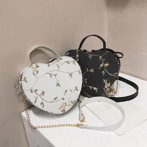 A forma di cuore Messenger Bag Donne 2020 catena del cuoio New coreano Moda Borsa retrò borse della signora Girls fiori dolci Borse a tracolla