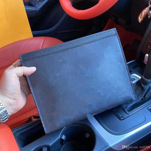 Yeni yüksek kaliteli iki parçalı set, eski buzağı el çantası, rafine çelik toka deri kemer, kutu ambalaj, üç renk mevcuttur.