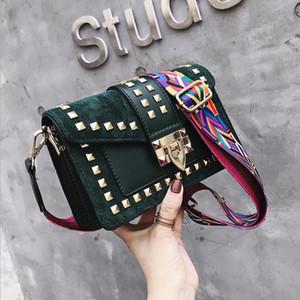 Mulheres Bag 2020 de Moda de Nova Saco quadrado pequeno com Rebites Fada Versátil um ombro Bolsa Messenger Bags