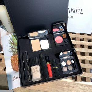 Nuovo trucco Set 9 in 1 con rossetto opaco Powder Blush Mascara Liquid Foundation Lipgloss Ombretto Eyeliner Pen Cosmetics 9pcs Set